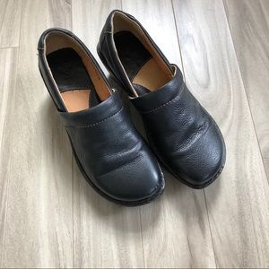 Born Mules Clogs Black Leather Size 9